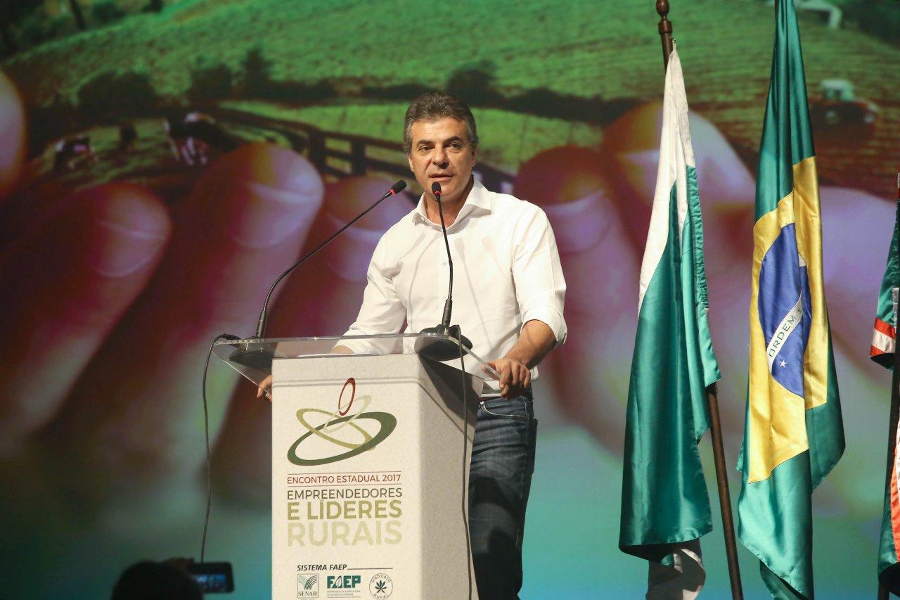 Agronegócio do Paraná dá exemplo para o Brasil, diz Richa