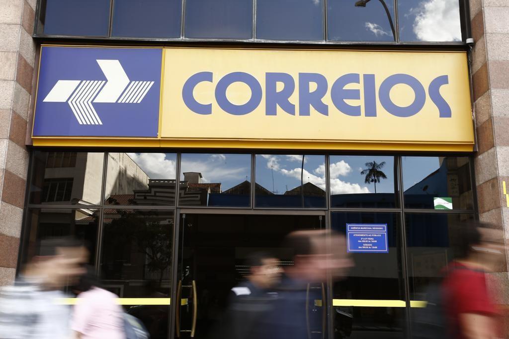 Correios no Paraná: sindicatos anunciam greve; principais agências estão abertas